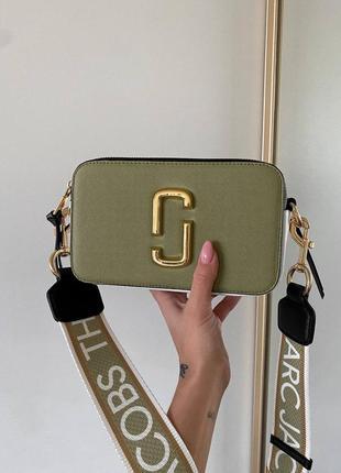 Женская сумка в стиле marc jacobs snapshot olive/gold logo.