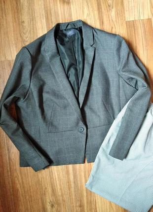 Шикарный актуальный пиджак в клетку большого размера, размер 22