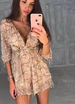 Легкое платье в крупную паетку