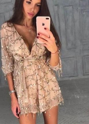 Нарядное платье в пайетки