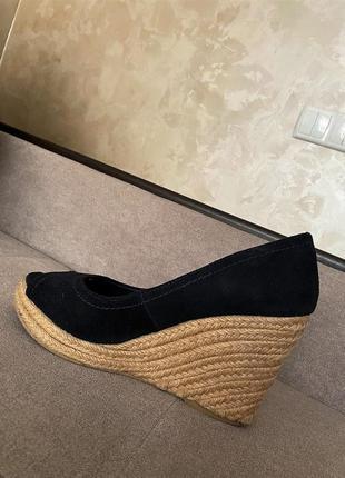 Стильные босоножки туфли сандалии на соломенной танкетке