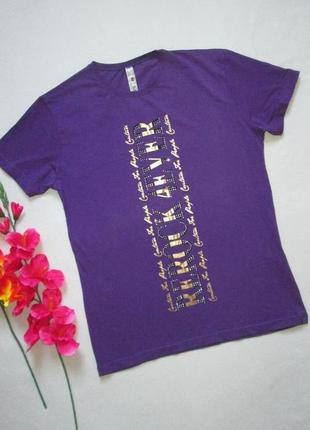 Мега крутая хлопковая футболка с золотистой надписью и стразами rerock 4ever