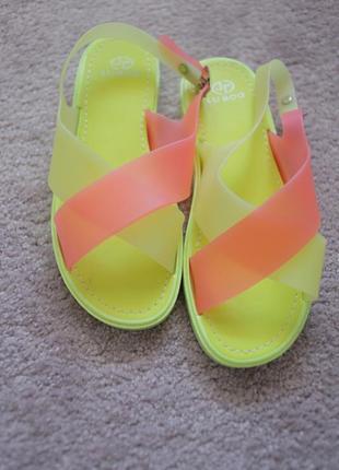 Женские босоножки силиконовые мыльнички лимоного цвета для пляжа и отдыха