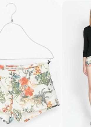 Короткие джинсовые шорты zara в цветочный принт