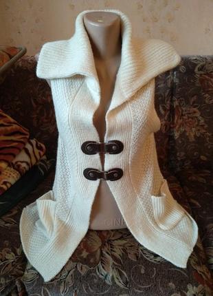 Новый брендовый тёплый жилет шерсть с кожаными застёжками, m-xl