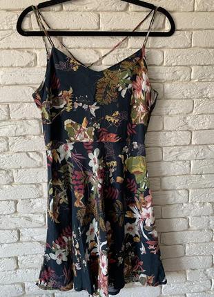 Платье на бретельках mango цветочный принт приталенное размер s/m