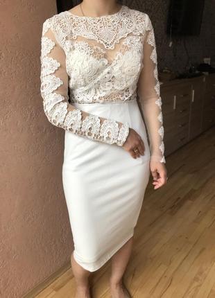 Шикарне плаття з мереживом4 фото
