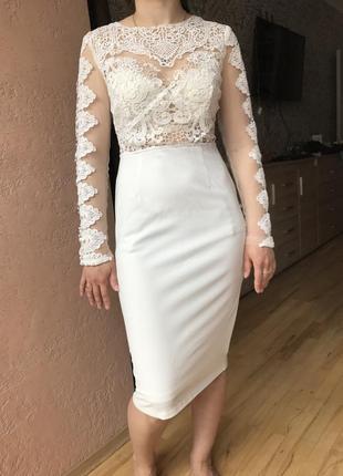 Шикарне плаття з мереживом5 фото