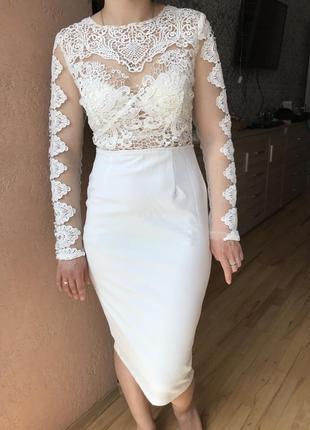 Шикарне плаття з мереживом6 фото