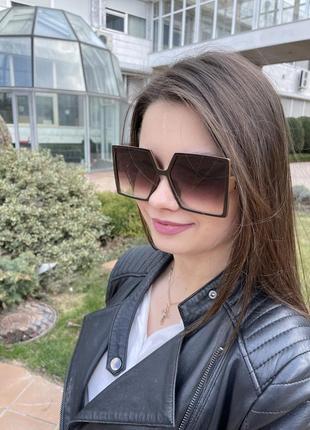 Квадратные женские солнцезащитные очки
