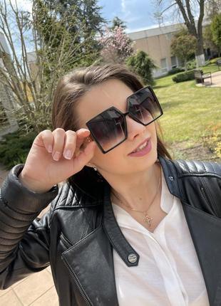 Квадратные женские солнцезащитные очки3 фото
