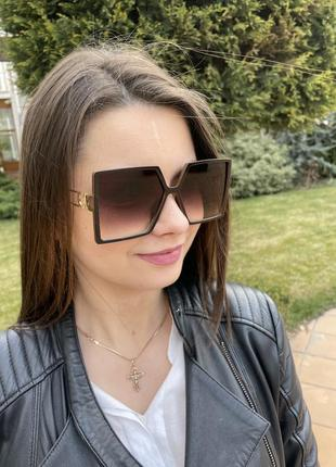 Квадратные женские солнцезащитные очки4 фото