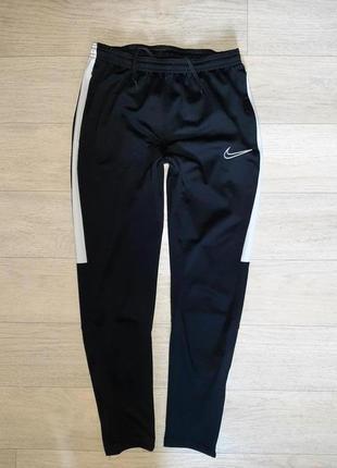 Спортивные штаны nike на 11-12 лет. оригинал