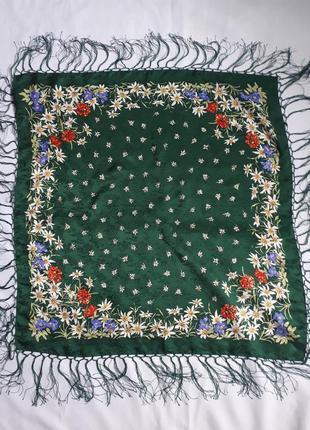 Шикарный шелковый платок с бахромой strießnig ( размер  73 см на 70 см)