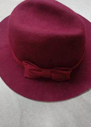 Классический трилби  . классическая бордовая фетровая шляпа из 100% шерсти