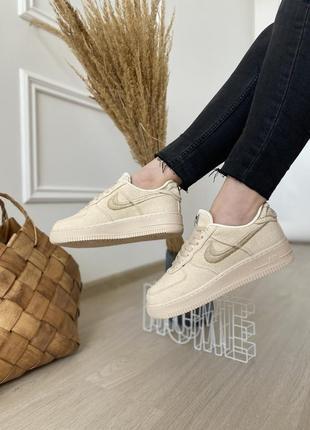 Женские стильные весенние кроссовки nike air force low stussy fossil