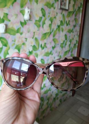Стильные очки в леопардовой оправе avon