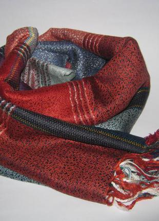 Осенне-весенний шарф палантин