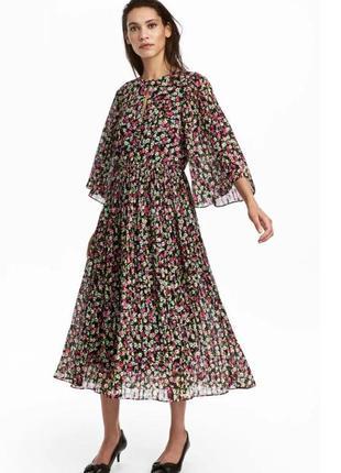Шикарное летнее шифоновое плиссированное платье миди h&m в цветочный принт.