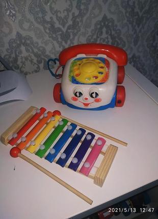 Телефон каталка fisher price  и ксилофон