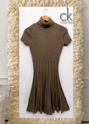 Трикотажное платье с коротким рукавом calvin klein