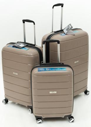Дорожный чемодан из полипропилена airtex