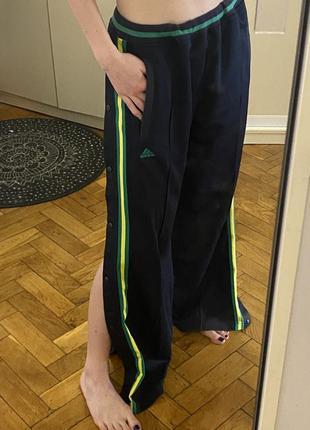 Модные брюки за застёжках