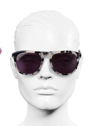 Брендовые солнцезащитные очки, оригинал4 фото
