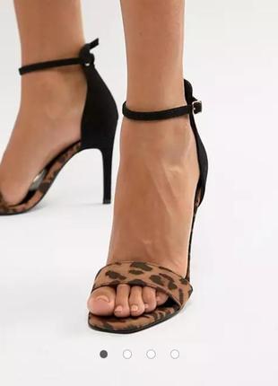 Босоніжки new look леопардові