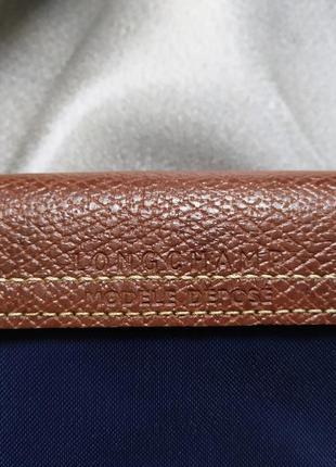 Маленькая сумочка с вышивкой от longchamp6 фото
