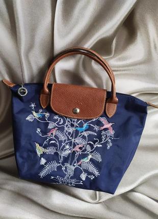 Маленькая сумочка с вышивкой от longchamp1 фото