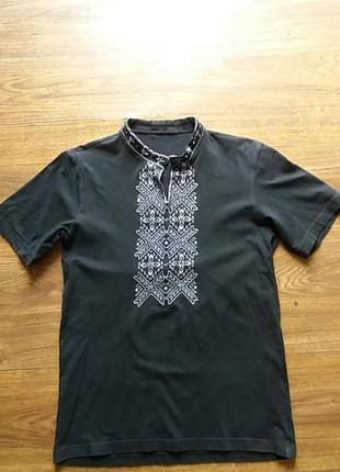 Вишита футболка