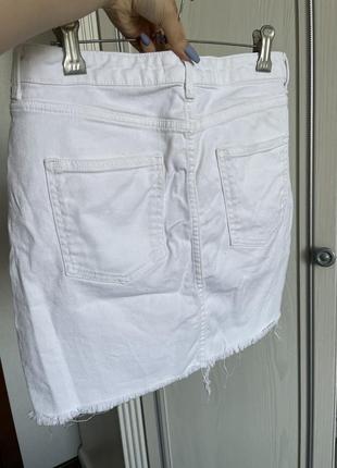 Белая джинсовая юбка до колена необработанный край под zara