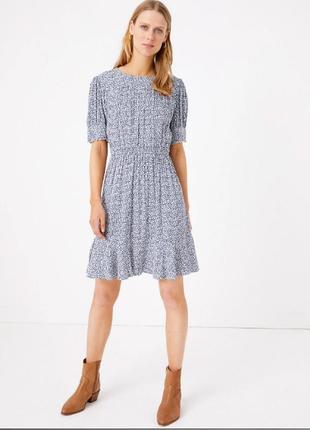 Натуральное вискозное платье в мелкий принт
