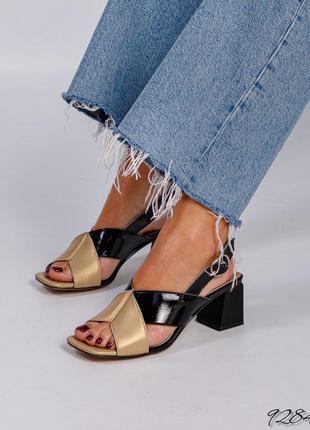 Кожаные босоножки на каблуке натуральная кожа