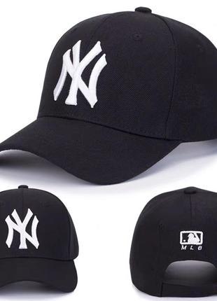 Чорна котонова кепка з білою вишивкою  ny