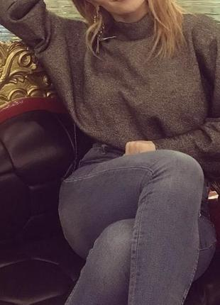 Серебряный свитер h&m