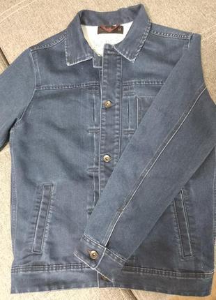 Чоловіча джинсова курточка