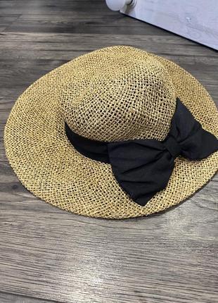 Крутая шляпа с полями с натурального материала
