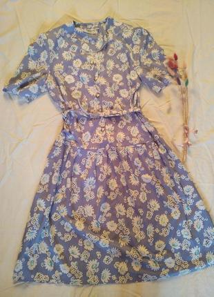 Шикарное винтажное голубое платье на поясе