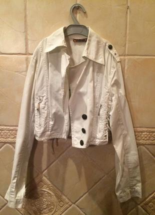 Короткая белая куртка cop.copine