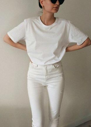 Белая базовая футболка oversize