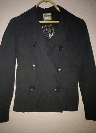 Очень крутой пиджак bershka