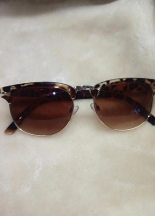Солнцезащитные очки. солнцезащитных очков в стиле ретро