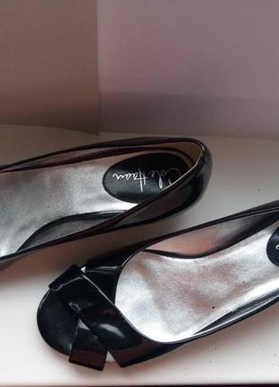 Босоножки cole haan (оригинал сша)новые, натуральная кожа черный лак