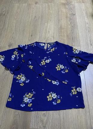 Футболка блуза цветочный принт цветы синий электрик рюши воланы рукава блуза