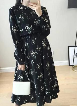 Шифоновое платье миди в цветочный принт чорне плаття міді квіти шифон