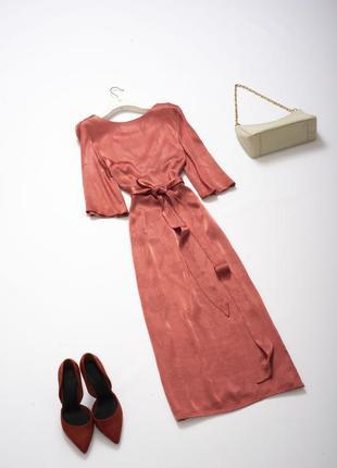 Стильное платье миди с поясом из вискозы xs s