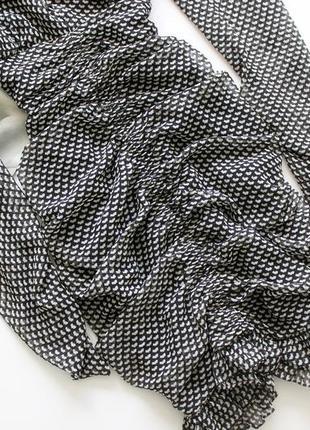 Красивое платье zara в принт черно белое с вырезом л хл3 фото