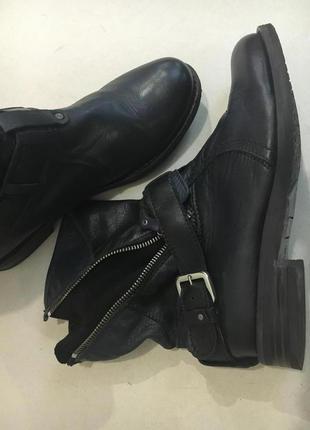 Суперовские импортные демисезонные ботинки стелька 24 см